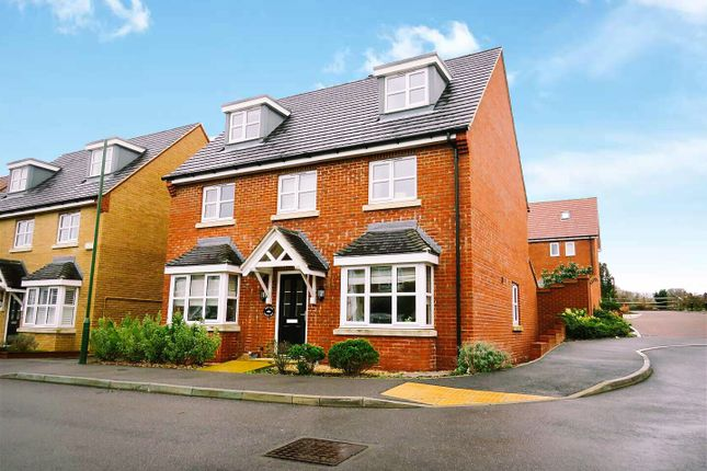 Thumbnail Detached house for sale in Larkspur Drive, Burgess Hill