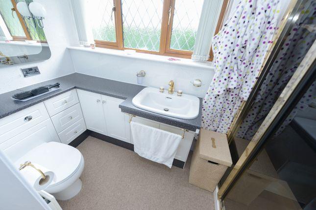 En-Suite B2 of Woodnook Lane, Old Brampton, Chesterfield S42
