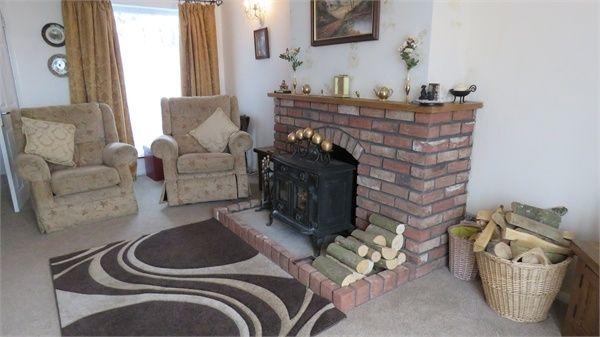 Thumbnail Detached bungalow for sale in London Road, Teynham, Sittingbourne, Kent