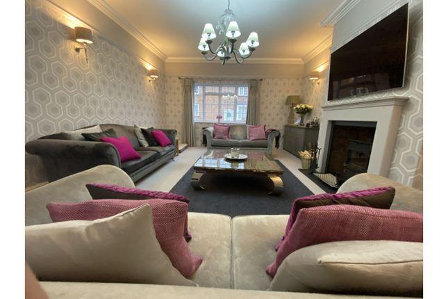 Lounge of Grimesgate, Diseworth, Derby DE74