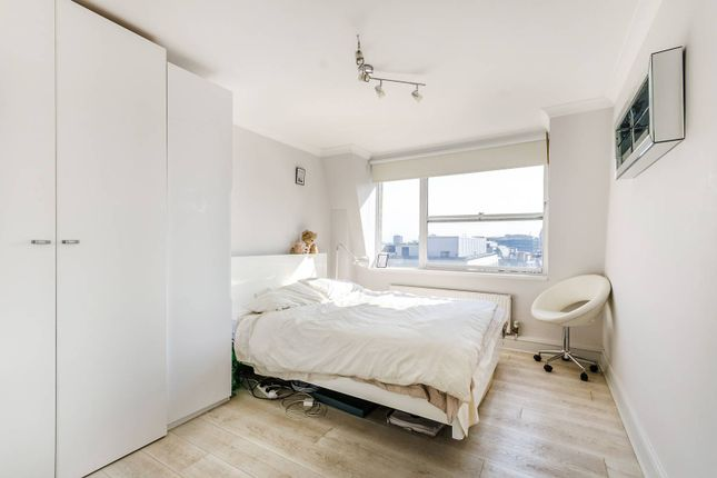 Thumbnail Flat to rent in Newton Street, Covent Garden