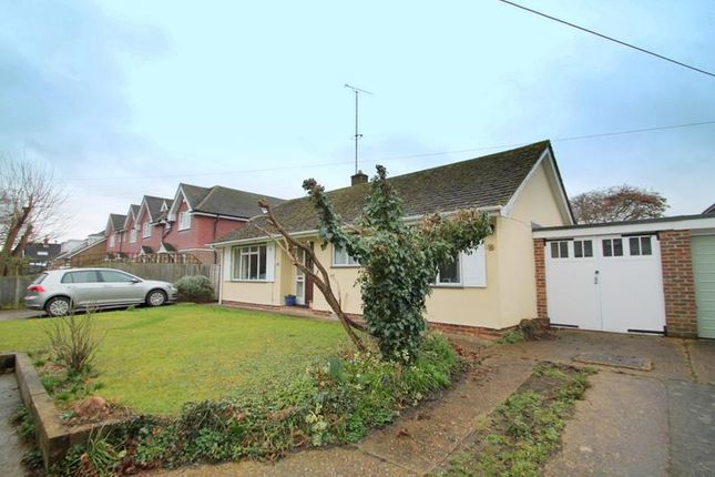 Thumbnail Bungalow to rent in Church Lane, Upper Beeding, Steyning