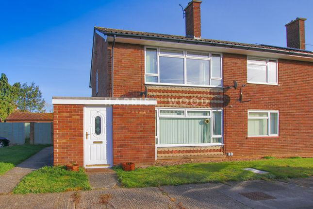 Thumbnail Maisonette for sale in Anglia Close, Colchester