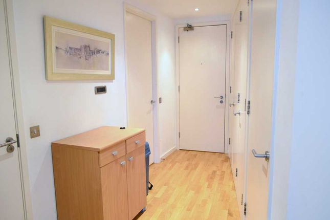 Thumbnail Flat for sale in New Providence Wharf, London., London