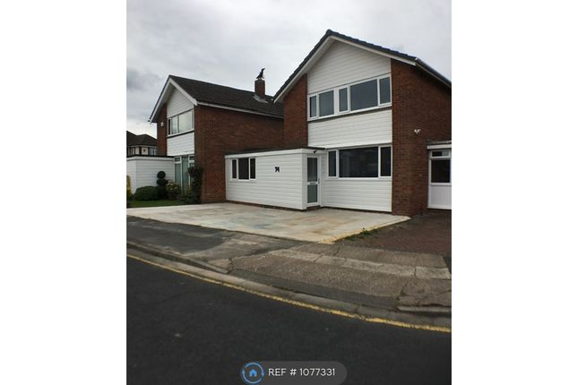 Room to rent in Henley Avenue, Cheadle Hulme SK8