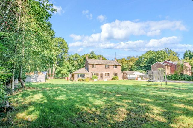 4 bed detached house for sale in Copthorne Road, Crawley RH10