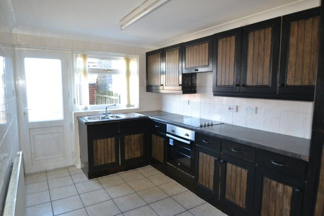 Thumbnail Terraced house to rent in Broadway, South Elmsall, Pontefract