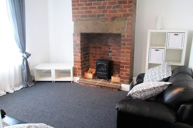 Thumbnail Property to rent in Aviary Row, Armley, Leeds
