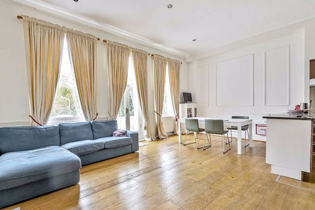 2 bed flat to rent in Airlie Gardens, London W8