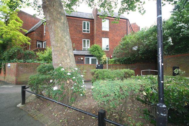 Thumbnail Flat to rent in Britannia Close, Clapham, London