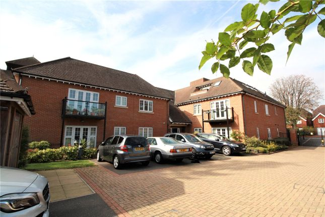 Thumbnail Flat to rent in Halstead Court, 42-48 Warwick Road, Beaconsfield