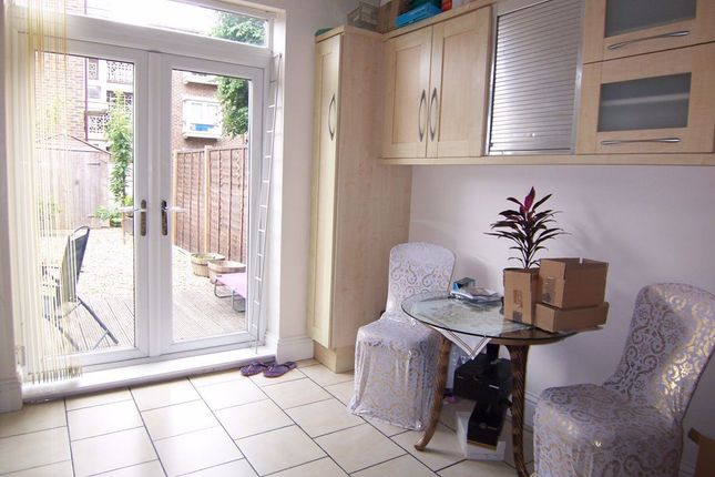 Thumbnail Maisonette to rent in Dudley Road, Kingston Upon Thames