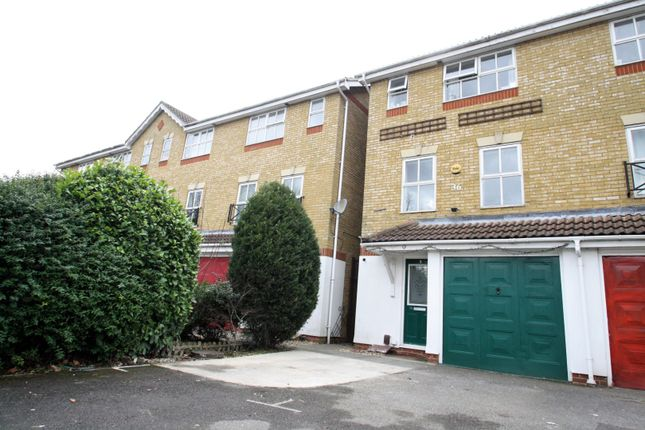 Thumbnail Town house for sale in Patching Way, Hayes