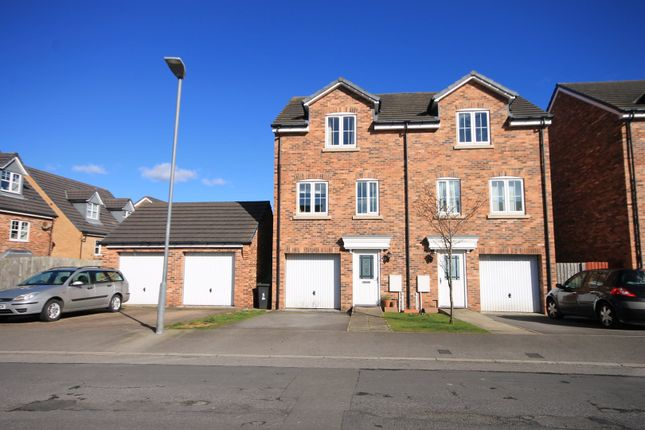 Thumbnail Town house for sale in Brackenrigg, Consett