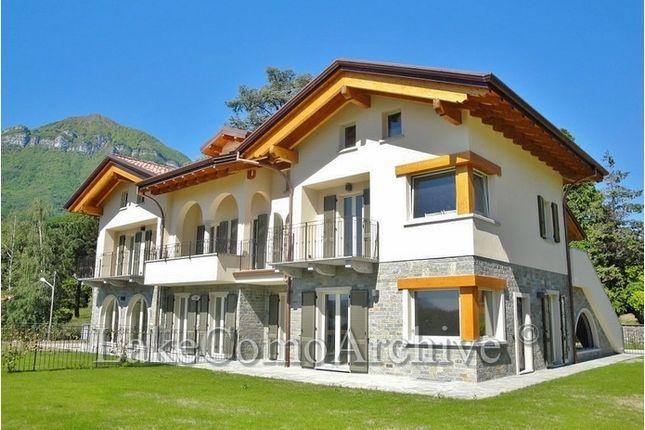 2 bed apartment for sale in Menaggio, Lake Como, Italy