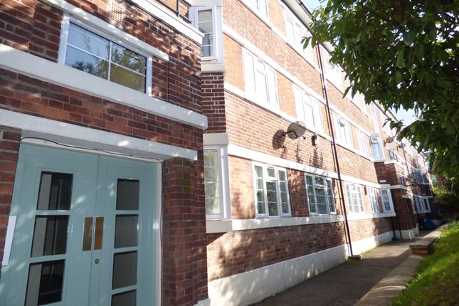 Thumbnail Flat for sale in Hendon Way, London