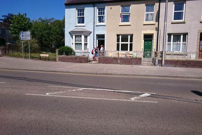 Thumbnail Flat to rent in Oak Terrace, Carmarthen, Carmarthenshire