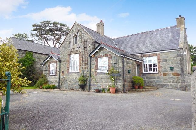 Thumbnail Semi-detached house for sale in Bwlch Derwin, Garndolbenmaen