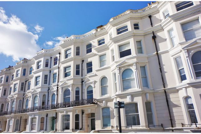 Thumbnail Flat for sale in Medina Terrace, Hove
