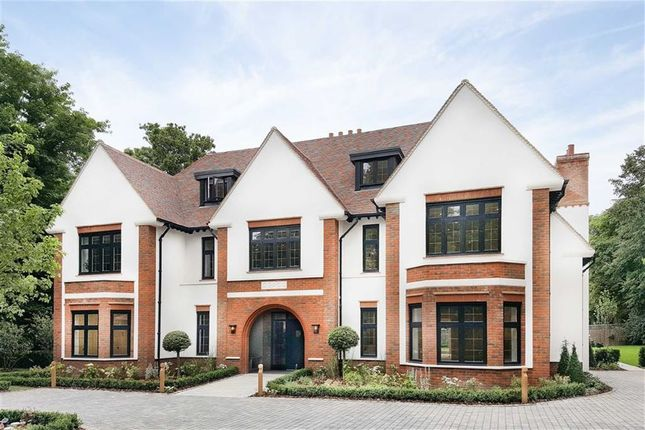 Thumbnail Flat for sale in Woodcote Lane, Webb Estate, Purley, Surrey