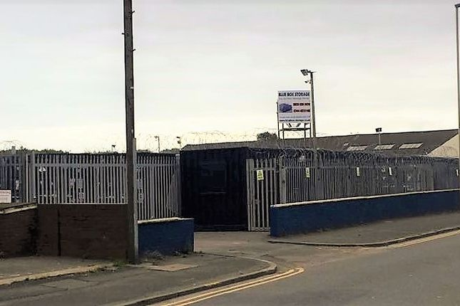 Parking/garage to rent in Mitre Place, South Shields
