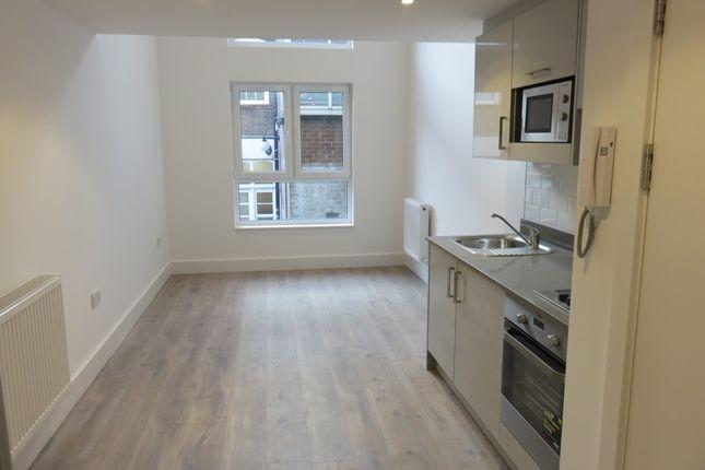 1 bed flat to rent in Kilburn High Road, Kilburn, London