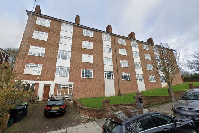 2 bed flat to rent in Risborough Close, Muswell Hill N10
