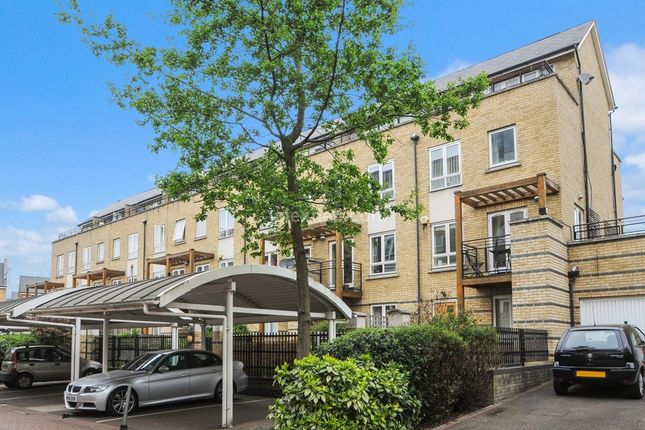 Thumbnail Town house to rent in St. Davids Square, London