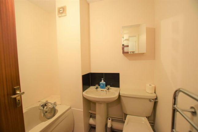 Bathroom of Market Street, Launceston PL15