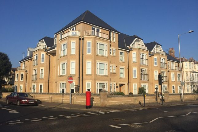 Thumbnail Flat to rent in Rectory Road, Lowestoft