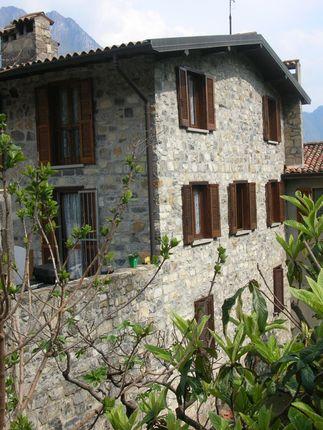 Town house for sale in Via Papa Giovanni XXIII, Riva di Solto, Bergamo, Lombardy, Italy
