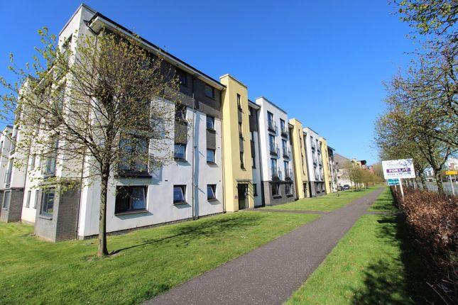 Flat to rent in Kenley Road, Braehead, Renfrew