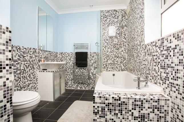 Family Bathroom of Leeder Close, Holbrooks, Coventry, West Midlands CV6