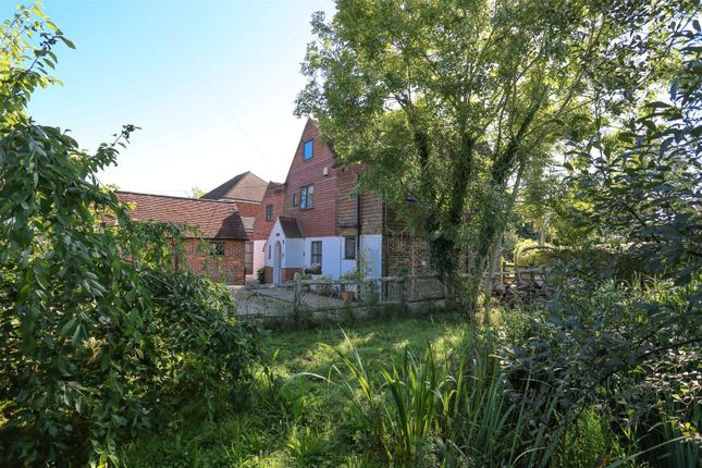 Thumbnail Detached house for sale in Chiddingly Road, Horam, Heathfield