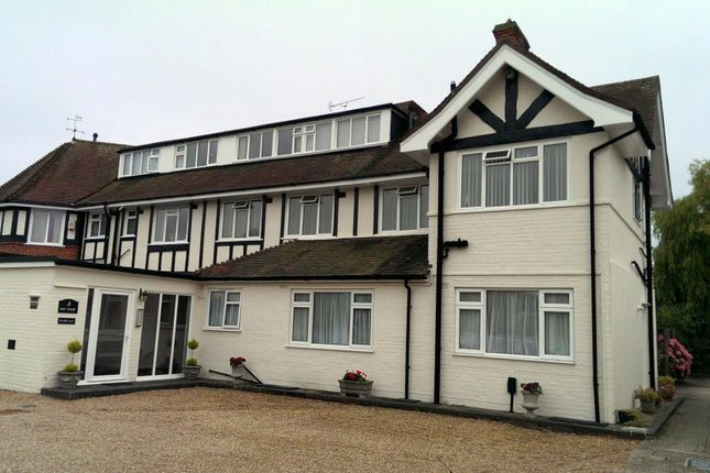 Thumbnail Flat to rent in The Fairway, Aldwick, Bognor Regis