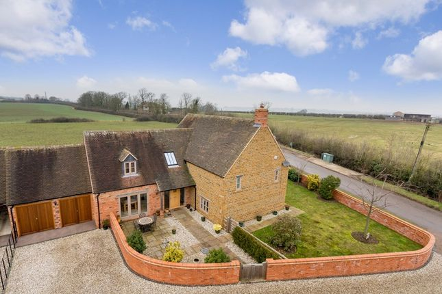Thumbnail Detached house for sale in Duns Tew, Bicester