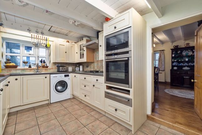 Kitchen of Cloudside, Congleton CW12
