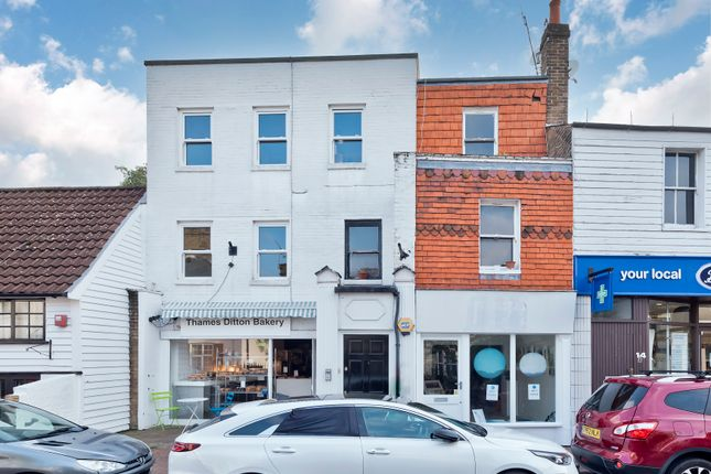 2 bed flat for sale in High Street, Thames Ditton KT7