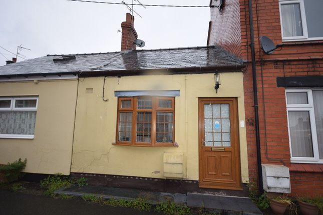 Thumbnail Cottage to rent in Cynlas Street, Rhosllanerchrugog, Wrexham