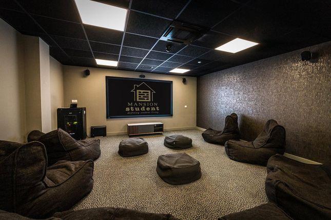 Cinema Room of Rennys Lane, Durham DH1
