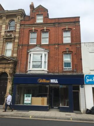 Retail premises to let in Fore Street, Wellington