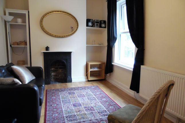Thumbnail Flat to rent in Kingswood Road, Brixton