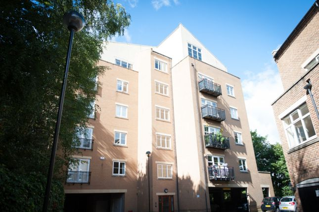 3 bed flat for sale in Caversham Place, Sutton Coldfield
