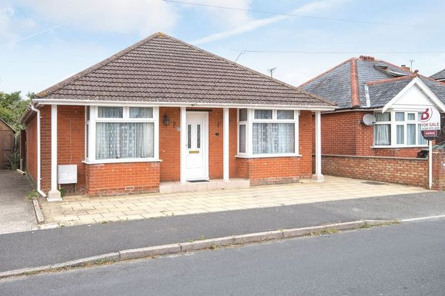Thumbnail Detached bungalow for sale in Mayfield Avenue, Totton, Southampton