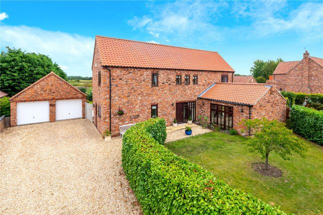 4 bed property for sale in Abbey Park, Torksey, Lincoln LN1