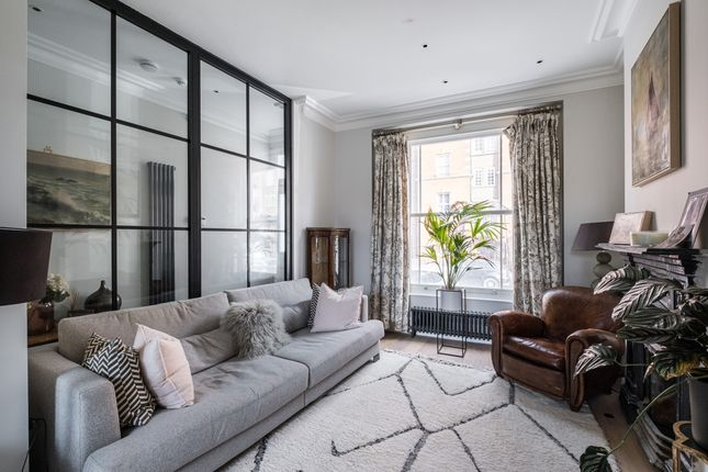 Thumbnail End terrace house to rent in Navarino Road, London
