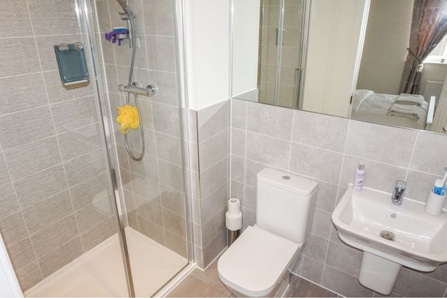 En-Suite One of Jacobs Piece, Fairford GL7
