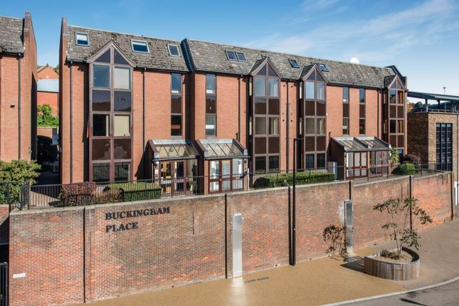 Thumbnail Flat for sale in Buckingham Place Bellfield Road, High Wycombe