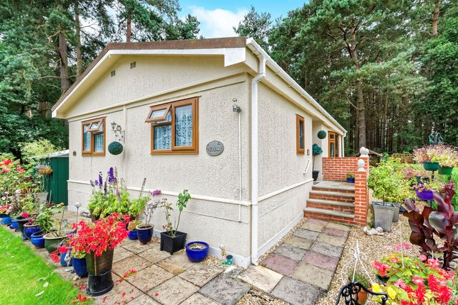 Thumbnail Mobile Park Home For Sale In Pinelands Padworth Common