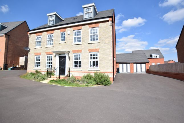 Thumbnail Detached house for sale in Fieldfare, Keynsham, Bristol